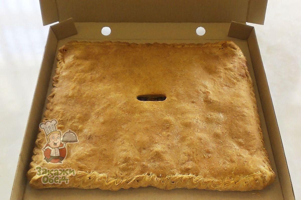 Пирог из слоеного теста с картофелем, курицей и грибами (2,4 кг.)